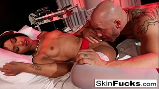 Nurse Skin Diamond gets anally penetrated by her patient