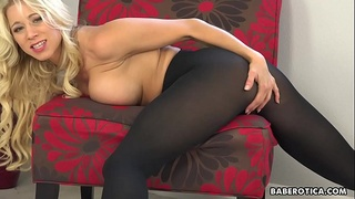 Solo blonde, Katie Morgan can'_t stop rubbing pussy, in 4K