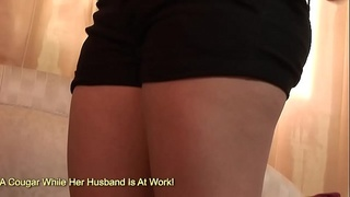 Holly Mae Holmes Sits Her Big White Booty Down On A Black Man'_s Cock