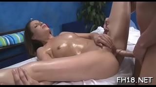 Sexy bombshell entreat her therapist to drill her