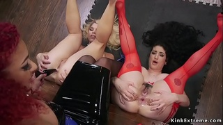 Ebony anal plugs and bangs two babes